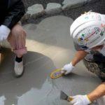 玄関やアプローチ床仕上げに洗い出しがおすすめです。施工方法、砂利をご紹介